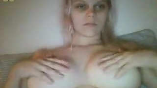 Chatroulette American guy offers his wife masturbating