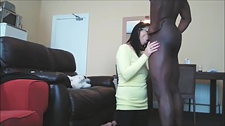 Shameless mature wife sucks her first bbc while husband on vacation
