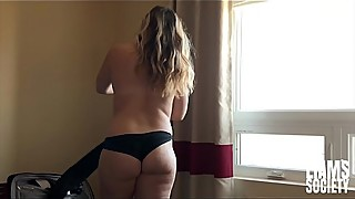 Step Sis Surprises Me With Morning Sex