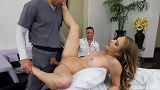 Cucked Husband's Hot Blonde Wife Fuck The Fat Cock Of the Masseuse