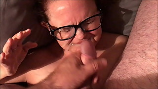 Married slut has her face used as a cum dump