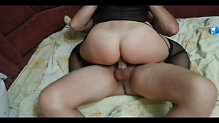 Husband removes how his wife fucks a stranger and gets an orgasm