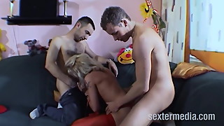 Milf towed and fucked in threesome